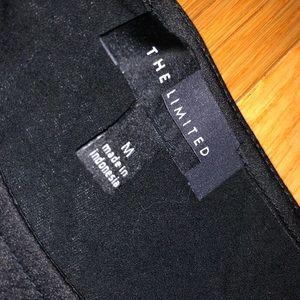 Black tee shirt.